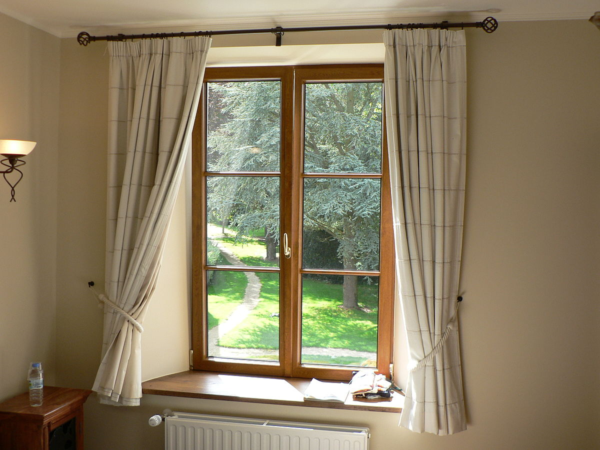 Hiring a Glazier that is professional is essential to a proper window installation