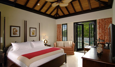 1200px-Marina_Suite,_Scrub_Island_Resort,_Spa_&_Marina